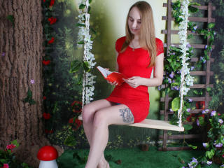 HotSweetBB - Chat hot with a scrawny Young and sexy lady