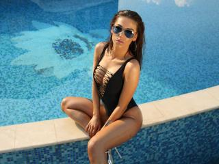 AlexiaQueen - Sexy live show with sex cam on XloveCam®