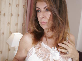 SweetAriell - Chat live x with this being from Europe Gorgeous lady