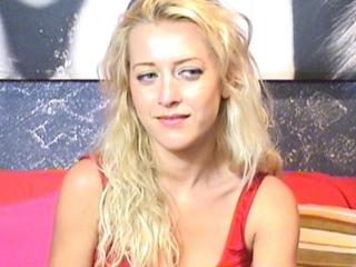RebeccaB - Sexy live show with sex cam on XloveCam®