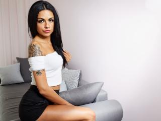 EmilyQueen - Sexy live show with sex cam on XloveCam®