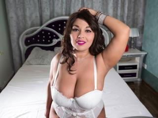 BustyMisty - chat online nude with a shaved intimate parts Young lady