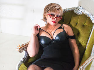 BlondSexyMature - Sexy live show with sex cam on XloveCam®