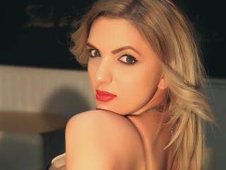 SunnyThalia - Show sexy et webcam hard sex en direct sur XloveCam®