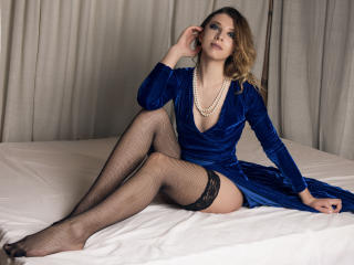 SuaveDelice - Sexy live show with sex cam on XloveCam®