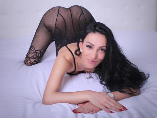 SweetLatinFantasy - Live chat porn with a dark hair Hot babe