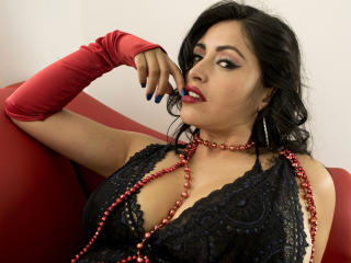 DeniSexLove - Chat live hot avec une Sensationnelle model sexy latine sur le site Xlove