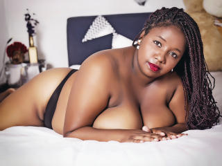 Sexy nude photo of AhinoaLatin