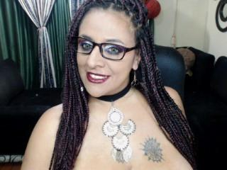 Sexy nude photo of LunaCox