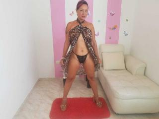 MatureMelanie - Show exciting with a corpulent body MILF