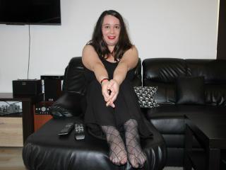 AmberBris girl show tits on webcam