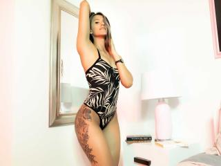 AmelieeHopkins - Chat live sex with this latin Hot chicks