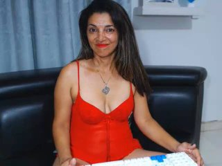 YoliomarHot - Live cam sex with this Horny lady with a standard breast