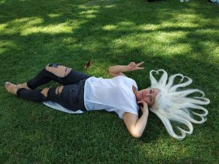 Sexy nude photo of KamaliaSim