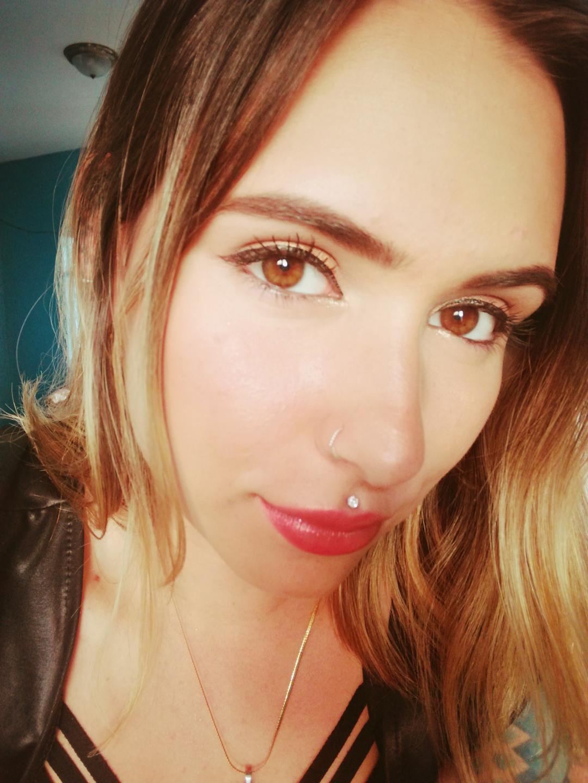Live stream porn of AngelJenner, a Porn 18+ teen woman