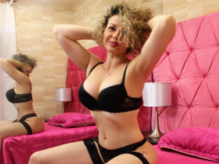 Kattalina - online show xXx with a muscular build Gorgeous lady
