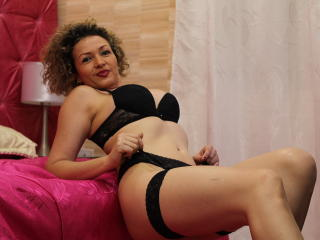 Kattalina - Live chat hot with this gold hair Hot lady