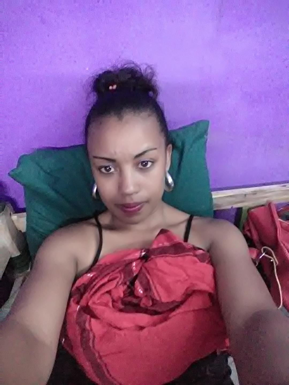 18 Black Girl Xxx live xxx of sarahsexy001, this average body black shaved