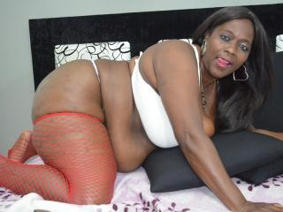 RandyGirlForU - Show nude with this shaved pubis Hot lady