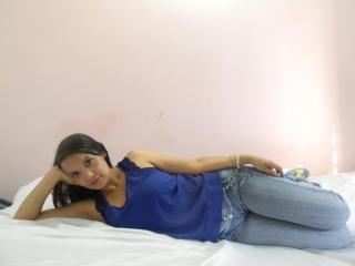Foto de perfil sexi, da modelo Chalinee, para um live show webcam muito quente!