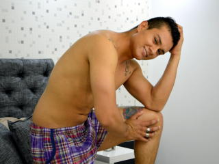 DaniGrey - chat online x with a latin Gay couple
