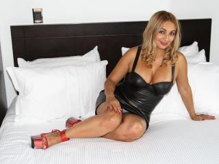 HairyBarbara - Show live porn avec une Femme mûre au sexe complètement velu sur le site Mature.cam