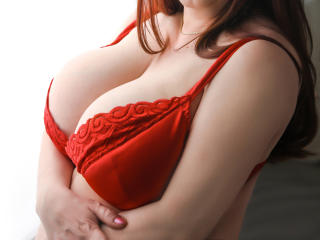 SugarBoobsX - Webcam hot with this gigantic titty Sexy mother