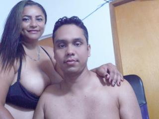 PetterAndCoffi - Live chat sexy with a Girl and boy couple with fit physique
