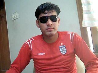Photo de profil sexy du modèle Khankhan, pour un live show webcam très hot !