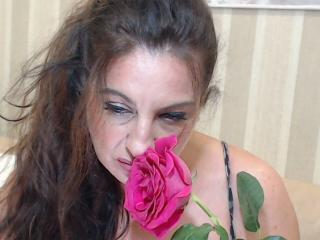 Picture of the sexy profile of Emerald, for a very hot webcam live show !