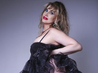 LadyMariahX - Live chat nude with this large chested XXx mature