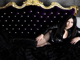 Photo de profil sexy du modèle EvaLusst, pour un live show webcam très hot !