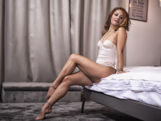 LexySwallow - online show hot with this chestnut hair XXx girl