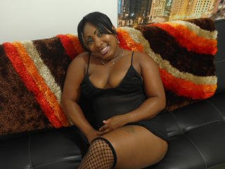 Picture of the sexy profile of SofyeBony, for a very hot webcam live show !