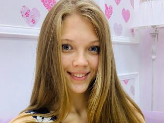 Nij69X - Chat cam xXx with this XXx 18+ teen woman with average hooters
