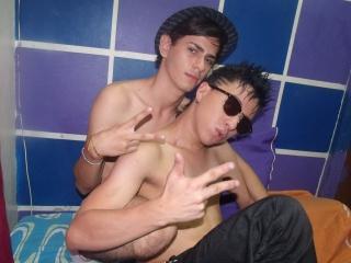 GuysHornyCum模特的性感个人头像,邀请您观看热辣劲爆的实时摄像表演!
