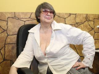 Picture of the sexy profile of MrsSharon, for a very hot webcam live show !