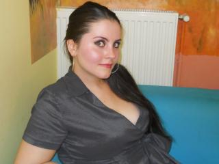 Picture of the sexy profile of SherllyFine, for a very hot webcam live show !