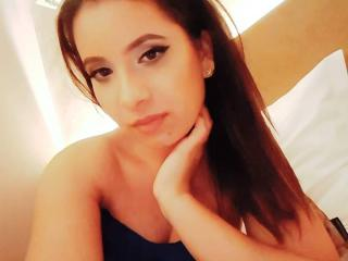 SweetJeniffer - Webcam live hot with a chocolate like hair Gorgeous lady