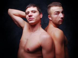 HunksInHeat模特的性感个人头像,邀请您观看热辣劲爆的实时摄像表演!