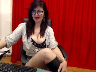 Photo de profil sexy du modèle Chrystianna, pour un live show webcam très hot !