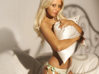 Photo de profil sexy du modèle CutePleasure, pour un live show webcam très hot !