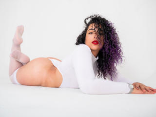 ScarlettBigAss - chat online hot with a latin american Dominatrix